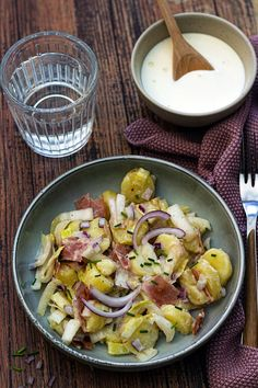 Endiviensalat mit Kartoffeln-salade d'endives aux pommes de terre Warmer Salat mit Kartoffeln, Endivien, Speck und Cancoillotte – Amandine Cooking - summer recipes summer recipes abendessen rezepte recipes recipes dessert recipes dinner Healthy Pastas, Healthy Salad Recipes, Healthy Chicken Recipes, Shrimp Recipes, Detox Recipes, Healthy Foods, Bacon, Clean Eating, Easy Meals