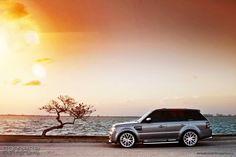 Gunmetal Grey Range Rover... Yes!
