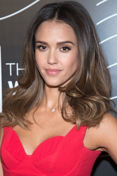 ​Jessica Alba - love her barely there streaks.