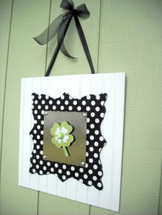 Hang on a wall or your front door.  Has a center piece for each month....yeah!