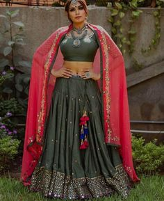 olive mirror work ghaghra choli with hot pink dupatta Blouse Designs High Neck, Tunic Designs, Choli Designs, Lehenga Designs, Garba Dress, Navratri Dress, Choli Dress, Chaniya Choli For Navratri, Indian Wedding Outfits