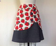 Strawberry Cat double layer skirt Sz 6
