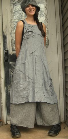 Gray Crossweave Linen Rose Apron Jumper by sarahclemensclothing