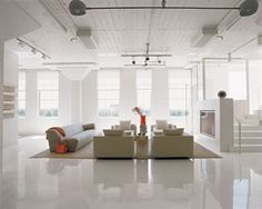 We already showed you one minimalist collector's loft and here is another one, designed by Poteet Architects