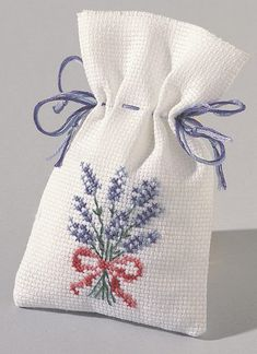 This Pin was discovered by Neş Cross Stitch Bookmarks, Mini Cross Stitch, Simple Cross Stitch, Cross Stitch Flowers, Cross Stitching, Cross Stitch Embroidery, Embroidery Patterns, Hand Embroidery, Lavender Bags