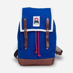 Ykra backpack with a seam along the blue
