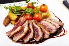 Entenbrust mit Johannisbeer-Rotwein-Sauce