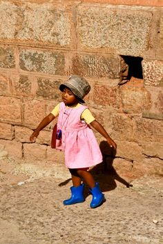 Dancing Child @ Antananarivo, Madagascar - Jan. 2007