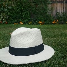 This hat is the perfect blend of fashionable and functional. Great find, @brydiewilson!