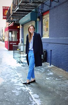 25 Ways to Make Mom Jeans Look Modern   StyleCaster