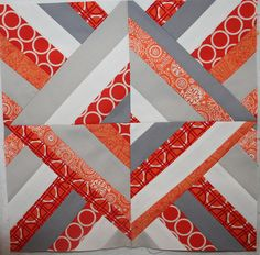 I like this stripped piecing block. And I know how she did this!