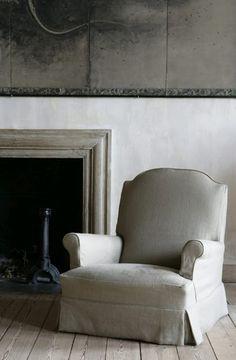 simple antique mantle , design Axel Vervoordt
