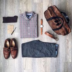 Stylish Mens Clothes That Any Guy Would Love Designer mens clothes have gained more and more popularity over the last few years. Mode Outfits, Casual Outfits, Men Casual, Fashion Outfits, Fashion Clothes, Stylish Clothes, Stylish Men, Fashion Mode, Look Fashion