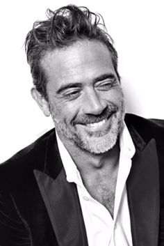 Seriously, how is this man this attractive? Like, let's bottle the secret. Jeffrey Deans all around! Jeffrey Dean Morgan, John Winchester, Hilarie Burton, Beautiful Boys, Gorgeous Men, Beautiful Smile, Beautiful People, The Walking Dead, Looks Black