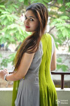 Android Wallpaper - Prayaga Martin Beautiful HD Photoshoot Stills - Beautiful Girl Indian, Beautiful Indian Actress, Beautiful Actresses, Beautiful Women, Beauty Full Girl, Beauty Women, Prayaga Martin, Beautiful Girl Wallpaper, Thing 1