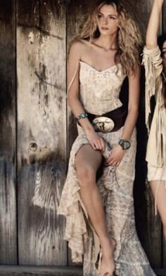 Long country dress.. I love this dress!