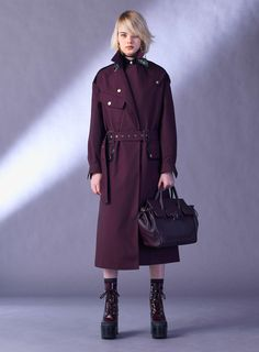 Versace Pre-Fall 2017 Fashion Show