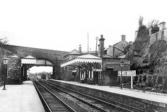 0525 Thongsbridge train station before it was closed with the closure of the Holmfirth branchline. Altrincham, Huddersfield Town, Disused Stations, West Yorkshire, Abandoned Buildings, Train Station, Old Photos, Arch, The Past