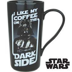 Une haute tasse Dark Vador, pour boire un café noir, très noir !