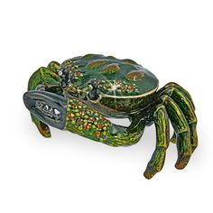 This pewter cast trinket box will bring smiles to the lips of the lucky person receiving it as a gift.