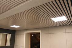 Jønland spileplater Leveres i hvitpigmentert furu, brunpigmentert furu, svartlakkert furu, lakkert osp, lakkert eik og hvitpigmentert eik. Enkel montering av spiletak og spilevegger. Leveres i formatet 60 x 240 cm. Kan enkelt kappes og klyves under montering. Ingen synlige festepunkter og spikermerker på spilene. Lekker måte å oppgradere vegg eller tak. Fint å monteres utenpå eksisterende vegg/tak. Blinds, Curtains, Home Decor, Sunroom Blinds, Insulated Curtains, Homemade Home Decor, Draping, Decoration Home, Shutters