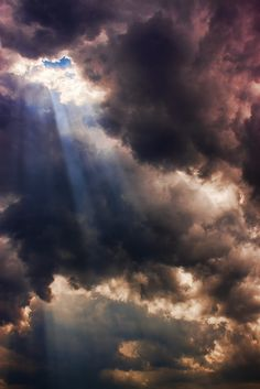 sun's rays through clouds