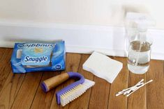 Way to Clean Baseboards - and keep them clean! The best way to clean baseboards and keep them clean for longer!The best way to clean baseboards and keep them clean for longer! Deep Cleaning Tips, House Cleaning Tips, Cleaning Solutions, Spring Cleaning, Cleaning Hacks, Cleaning Products, Cleaning Checklist, All You Need Is, Cleaning Baseboards