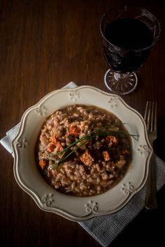 Ριζότο με λουκάνικο τσορίθο και κόκκινο κρασί (και τα μυστικά του καλού ριζότο)