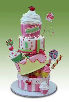 cupcake birthday cake - If only I could make this!