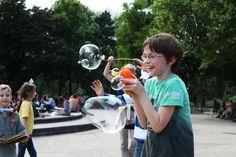 Kinderlachen durch Seifenblasen Children Laughing, Soap Bubbles, Face