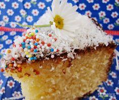 Satt und Selig: Ich back's mir - Créme-fraîche-Kuchen mit Zitronensirup