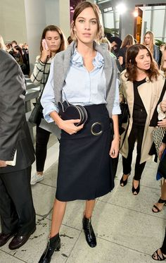 Pin for Later: 35 Standout Moments From Paris Fashion Week Alexa Chung London Fashion Weeks, Office Looks, British Celebrities, Alexa Chung Style, Business Professional Outfits, Cool Outfits, Fashion Outfits, Womens Fashion, Vogue