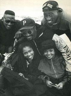 The cast of 'Poetic Justice' (Joe Torry, Regina King, Janet Jackson & Tupac Shakur) with director John Singleton. Tupac Shakur, 90s Hip Hop, Hip Hop Rap, Black Love, Black Is Beautiful, Estilo Chola, Jamel Shabazz, Jo Jackson, Janet Jackson 90s