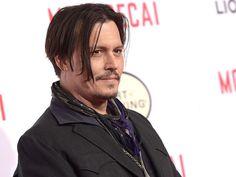 Lesão de Johnny Depp atrasa ainda mais filmagens de #PiratasDoCaribe5 >> http://glo.bo/1CsXrJN
