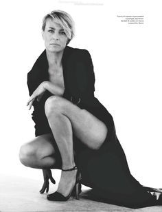 "Photography Poses : ""House of Cards"" Claire Underwood (Robin Wright) - Dear Art Robin Wright, Beautiful Legs, Beautiful People, Beautiful Women, Poses Photo, Belle Photo, Sexy Legs, Movie Stars, Portrait Photography"