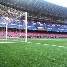 """""""#FCBFCB Countdown to FC Barcelona v Bayern Munich Força Barça!  #CampNou #UCL @fcbarcelona"""""""