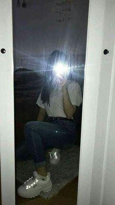 Syd ☼ ☾'s media statistics and analytics mirror photo f Teenage Girl Photography, Tumblr Photography, Girl Photography Poses, Snapchat Selfies, Snapchat Girls, Applis Photo, Fake Photo, Cool Girl Pictures, Girl Photos