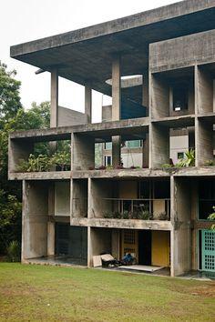 Yellow And green / blue Shodan House - Le Corbusier Le Corbusier Architecture, Houses Architecture, Concrete Architecture, Classic Architecture, Amazing Architecture, Interior Architecture, Architecture Images, Chinese Architecture, Futuristic Architecture