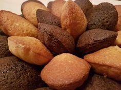 Deux belles fournées de madeleines au choix : vanille/pralin et chocolat/cannelle....moelleuses, délicieuses et qui auront rempli les goûters de toute la semaine. Je suis toujours la recette de Cyril Lignac en ajoutant ce que j'aime. Faire fondre 125g...