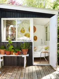 Cottage Porch, Garden Cottage, Home And Garden, Outdoor Spaces, Outdoor Living, Outdoor Decor, Outdoor Kitchens, Summer Cabins, Little Cabin