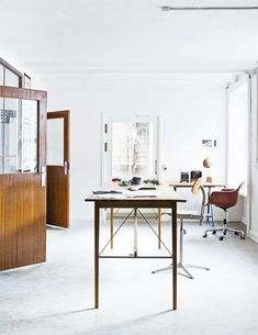love the doors and tapered table legs