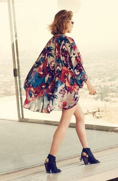 Gorgeous styling! Dress up a kimono dress this summer.