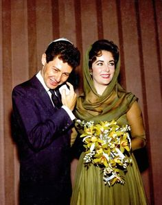 Wedding No 4 - Elizabeth Taylor and Eddie Fisher - 1959  Aaaand about 5 minutes later, she met Richard Burton.