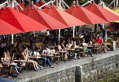 9-Apr-2015 12:15 - DAMES OPGELET: MORGEN ROKJESDAG!. Terwijl het vandaag al vrij warm is, zetten de zomerse temperaturen morgen verder door. Weerplaza.nl verwacht temperaturen van gemiddeld 20…...