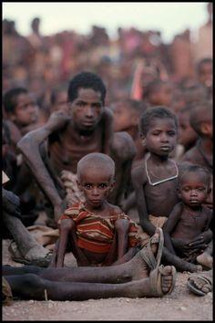 Fome na Somália, perto de Baidoa, Somália, 1992© PETER TURNLEY-CORBIS