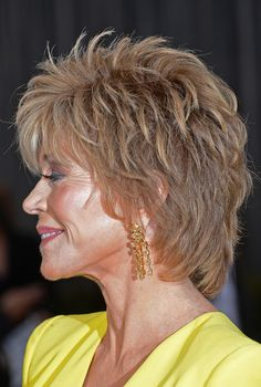 Actress Jane Fonda arrives at the Oscars at Hollywood & Highland Center on February 2013 in Hollywood, California. Actress Jane Fonda arrives at the Oscars at Hollywood & Highland Center on February 2013 in Hollywood, California. Shaggy Short Hair, Short Shaggy Haircuts, Short Shag Hairstyles, Hairstyles Over 50, Short Hair With Layers, Layered Hair, Short Hair Cuts, Jane Fonda Hairstyles, Medium Hair Styles