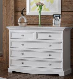 Komoda Belluno Elegante z masívu s 5 zásuvkami, biela Dresser As Nightstand, Table, Furniture, Home Decor, Decoration Home, Room Decor, Tables, Home Furnishings, Home Interior Design