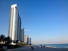 Miami luxury condo sales office!Sunny isles beach. Miami Beach Luxury Condos.  www.sildycervera.com/luxury-condos.asp