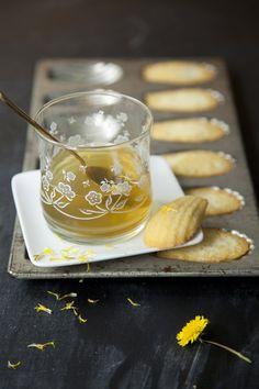 Dandelion (greens) & Ginger Tea  Dandelion: Helps eliminate stress to liver, cleanse the blood and liver, Improves complexion.