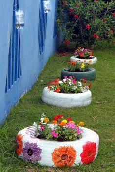 Tire Garden, Garden Yard Ideas, Diy Garden Projects, Garden Crafts, Diy Garden Decor, Garden Art, Patio Ideas, Garden Decorations, Backyard Ideas